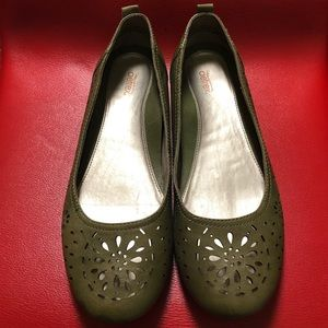 Shoes - Aetrex Cognac Olive leather Joanna Flats.